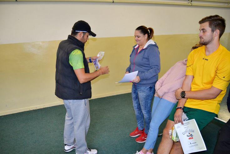 """Futbalový a stolnotenisový turnaj """"Putovný pohár riaditeľa školy ... 7a24fae047b"""