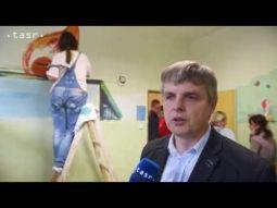 SOŠ a Cech maliarov Slovenska pomohli nemocnici v Považskej Bystrici
